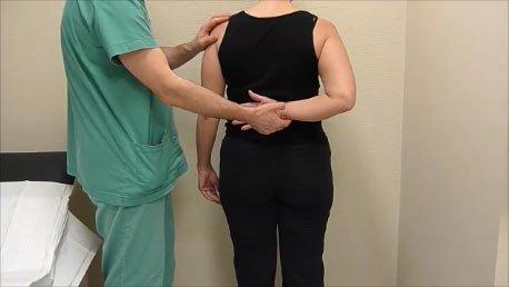 c0233706e33 En akut kalkaxel kan ge svåra smärtor. Den kraftigt nedsatt rörligheten  liknar den vid frozen shoulder. Till skillnad mot frozen shoulder så går  det oftast ...